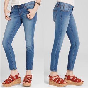 Free People | light wash skinny jeans